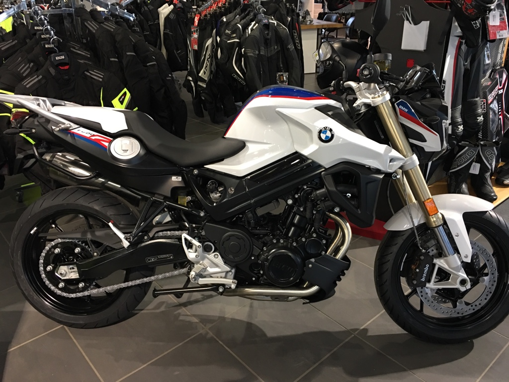 F 800 R - Motorrad Weihe, Ihr größter BMW- und YAMAHA
