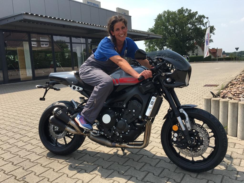 Sondermodell Abarth Yamaha XSR 900 - Motorrad Weihe, Ihr